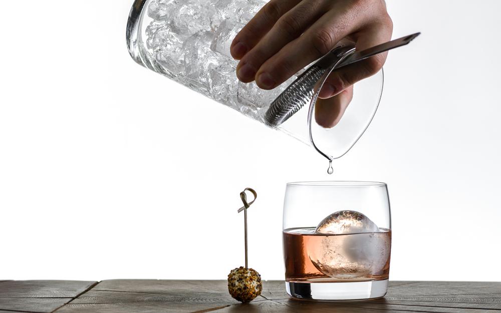 Baraka Old Fashion cocktail Mácsai Bence választékában.