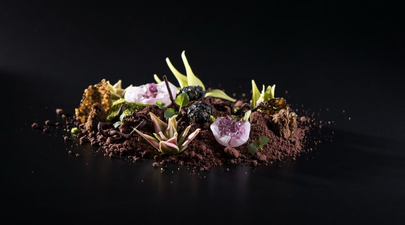 Amuse bouche a Baraka Étteremben: Kucsmagomba, csokoládé, libamáj. GasztroMagazin 2018.