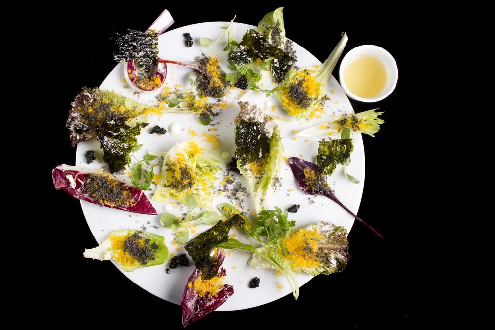 Az Enrico Crippa vezette Piazza Duomo étterem egyik tányérja.