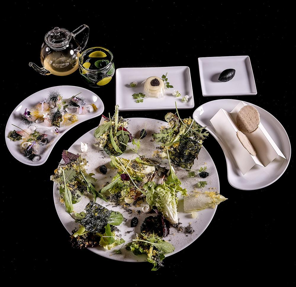 Újabb tányérok az Enrico Crippa vezette Piazza Duomo étteremből.