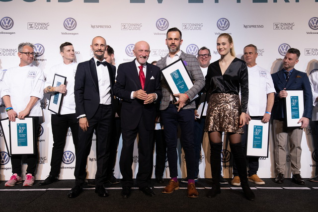 Nagy Zoltán, a Boutiq'Bar vezetője, a frissen alapított Dining Guide - Royal Bliss Az Év Koktélbárja Díj nyertese.