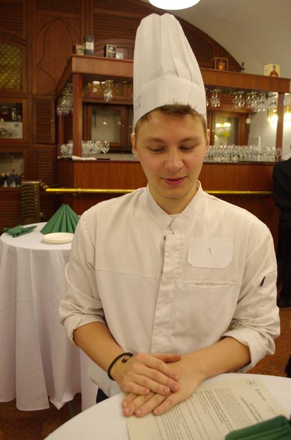 Pacsai Martin, a 2019. évi Olivier Roellinger nemzetközi szakács verseny közép-európai elődöntőjének győztese, a BGE végzős hallgatója.