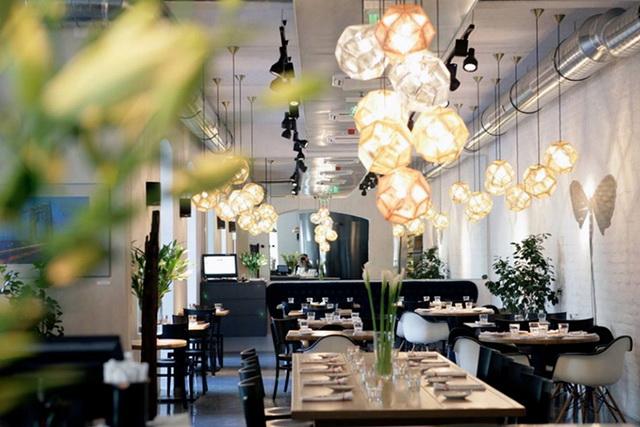 A szegedi Tiszavirág nem csupán az egyik legjobb magyar étterem, de egyben az Év Innovatív Konyhája címet is elnyerte 2019-ben.