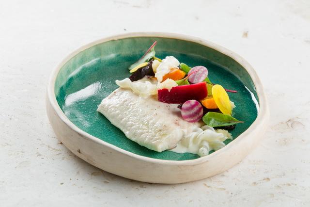Sterlet - kecsege. A moszkvai Twins Garden étterem séfjeink tányérja.
