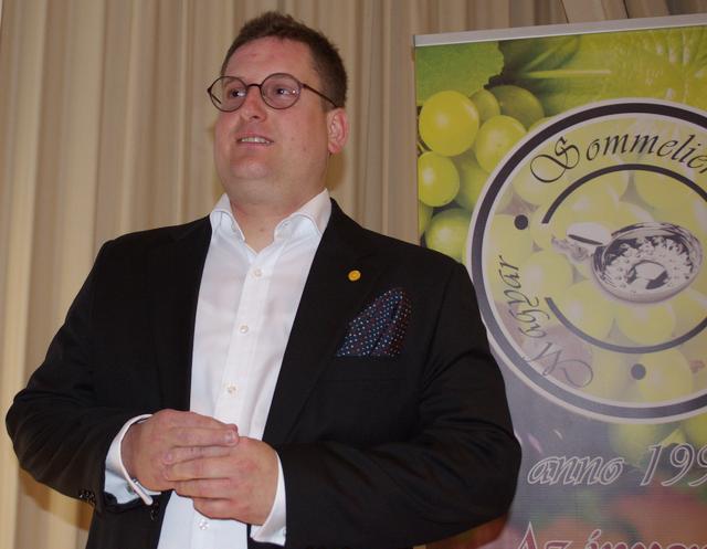 Horváth Máté, a MÁK Étterem head-sommelier-je, az idei ASI Sommelier Világbajnokság 30. helyezettje számol be a verseny tapasztalatairól.