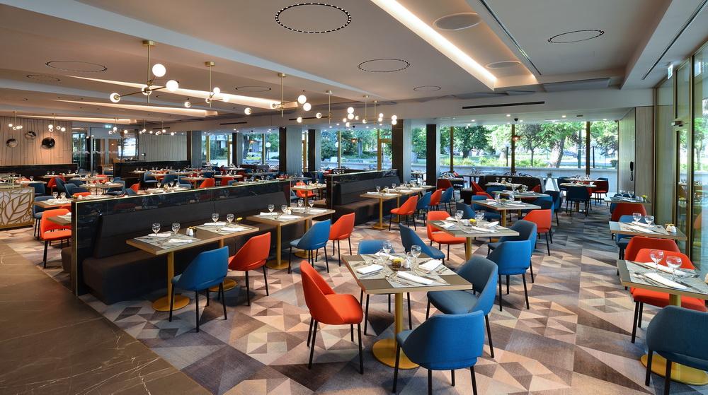 A megújult Platán Étterem a Margitszigeti Thermal Hotelben.