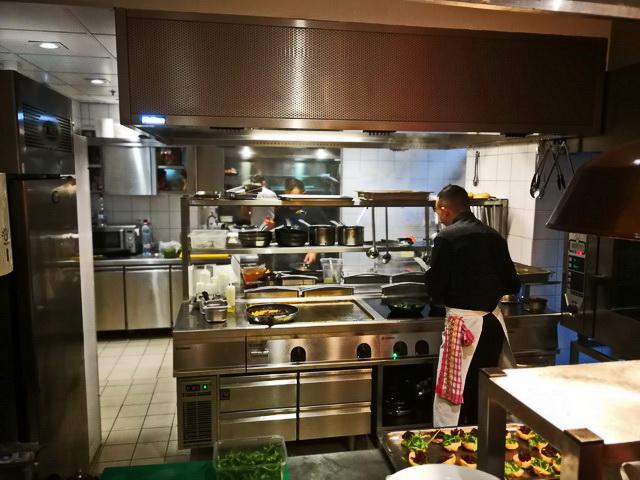 Bepillantás a Na Pasta konyhájába, Alessandro Smanio birodalmába.