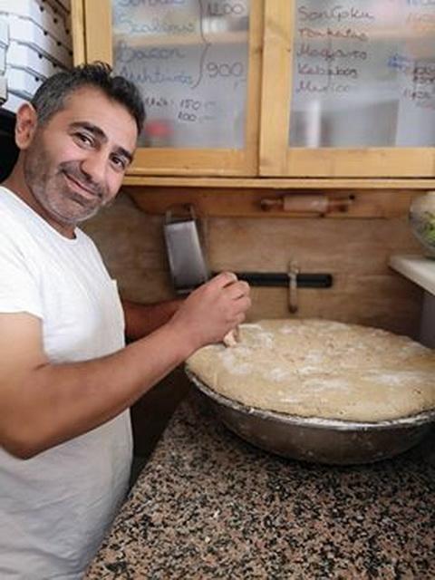 Adibeg Towmasyaan és a pizzatészta