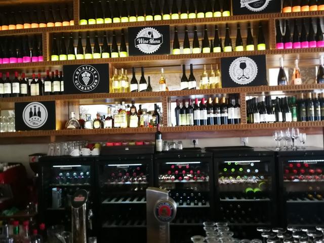 A Wine Bistro jelleg jól felismerhető attribútumai.
