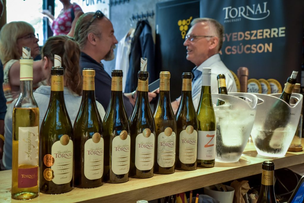 A bemutatott Tornai-borok sora