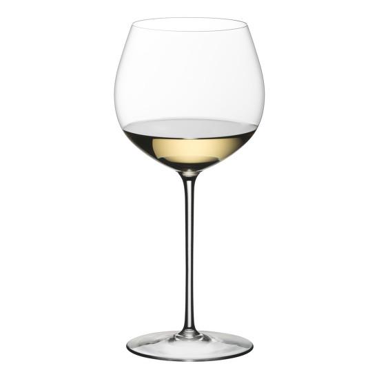 A Riedel Vitis Chardonnay mintáján megfigyelhetjük a burgundisként induló, ám szélesebb szájkialakítással végződő pohárformát