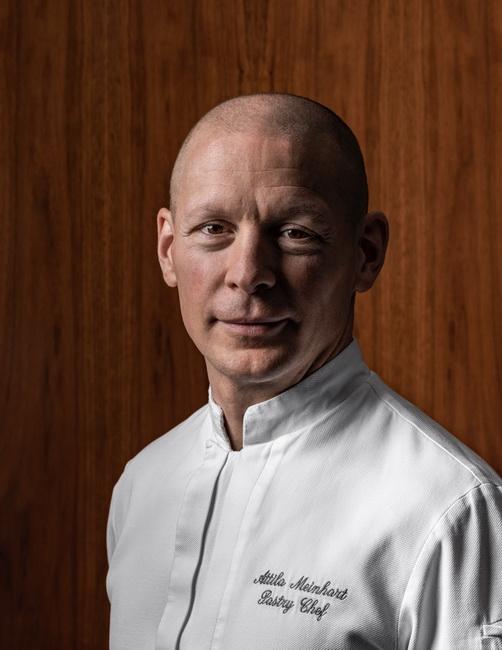 Menyhárt Attila cukrász chef Fekete Antonio felvételén. GasztroMagazin 2020.