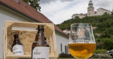A Pannonhalmi Főapátság sörfőzdéje. Blonde belga sör. GasztroMagazin 2020.