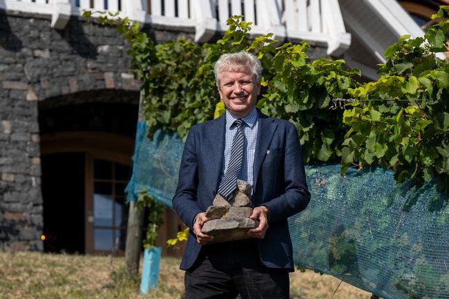 Christer Sandahl a Sandahl Pincészet képviseletében nyilatkozott a Par Excellence díjról. GasztroMagazin 2020.