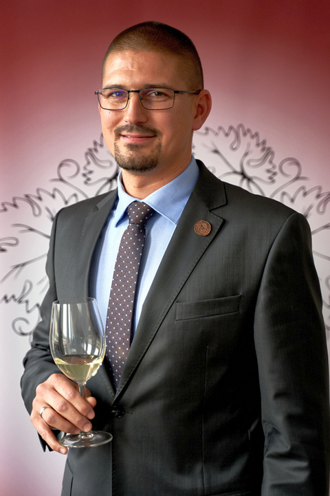 Az Év Bortermelője Magyarországon 2020. Borbély Tamás, a badacsonyi Borbély Családi Pincészet vezetője. GasztroMagazin 2020.