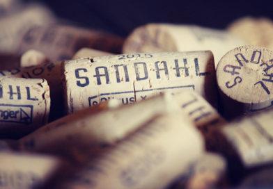 A badacsonbyi Sandahl Pincészet 2020-ban elnyerte a Magyar Sommelier Szövetség Par Excelennece díját. GasztroMagazin 2020.