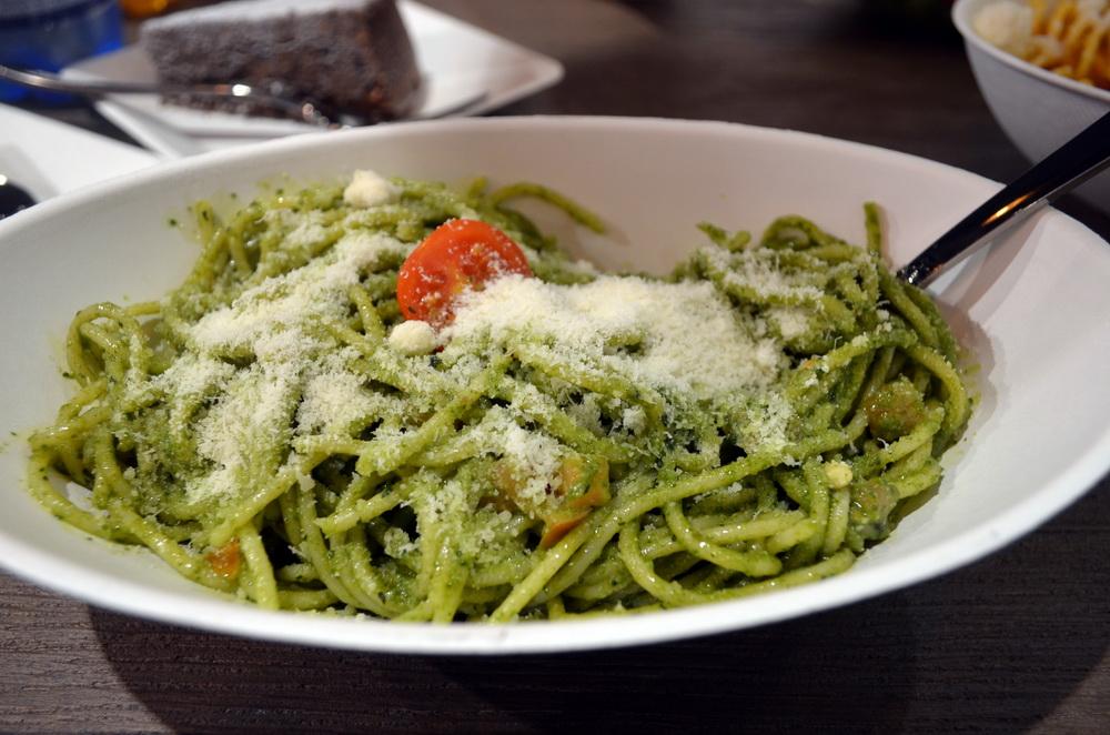 Szintén pesto alapú a spagetti mártása. Imádtuk!