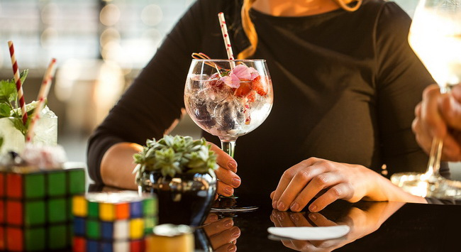 Magyar találmányok ihlette cocktailok és Green Egg az InterContinentalban. GasztroMagazin 2019.