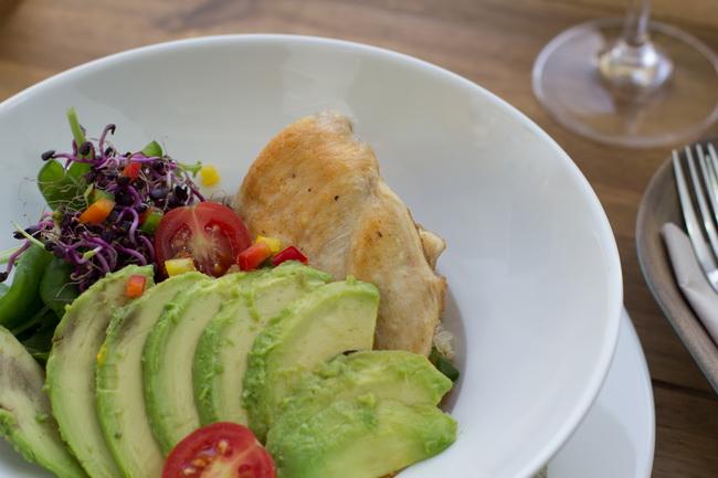 Egészséges étel, saláta a 36 Bisztró válaztékában. GasztroMagazin 2019.