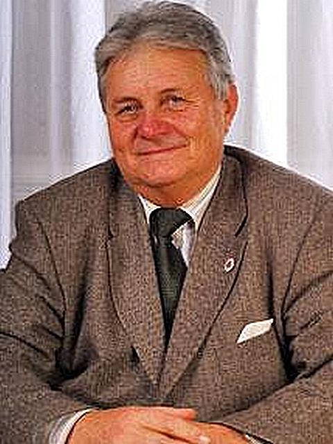 Dr. Csizmadia László, a BGE KVIK nyugalmazott főigazgatója, a 2020. évi Gundel Károly-díj díjazottja. GasztroMagazin 2020.