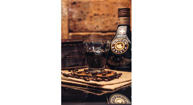 A Zwack Unicum bemutatja az Unicum-család legújabb tagját, az arabica kávéval ízesített, tölgyfahordóban érlelt Unicum Baristát. GasztroMagazin 2020.