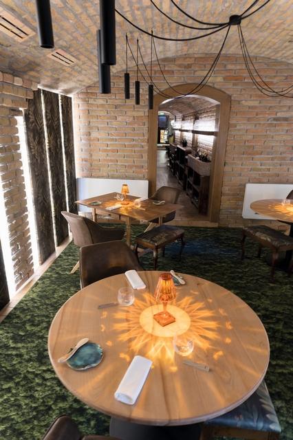 Platán Gourmet Tata, az Audi Dining Guide Év Étterme Díj legjobb vidéki éttermeinek egyike. GasztroMagazin 2021.