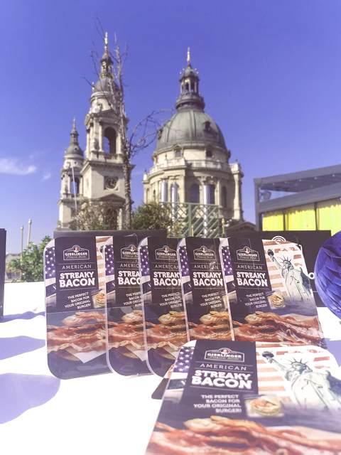 American Streaky Bacon a High Note Budapest teraszán. GasztroMagazin 2021.