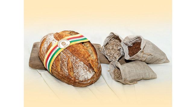 Az Év Innovatív kenyere 2021-ben a Fejedelmi Pékség Tisza-parti magvas kézműves kenyere . GasztroMagazin 2021.