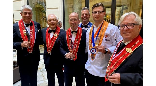 Lendvai Levente 2, míg Szabó Kevin 4. lett a Chaine des Rotisseurs Ifjúsági Szakács Világbajnokságon. GasztroMagazin 2021.
